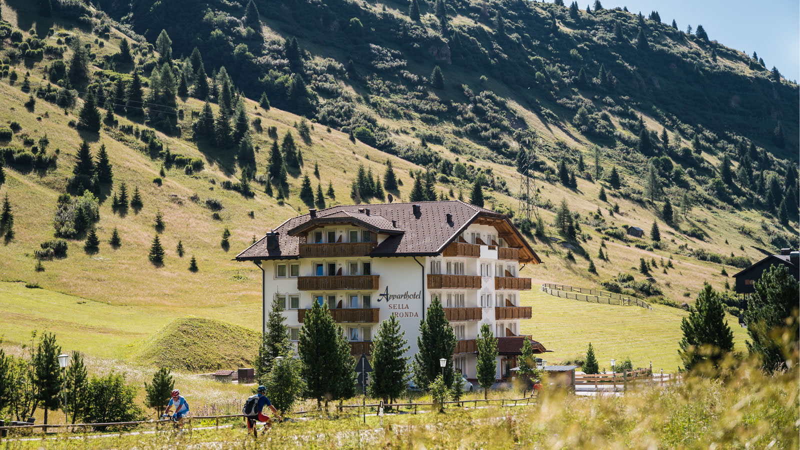Apparthotel Sellaronda during summer season